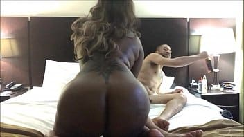 sexe au camping elle baise son gendre